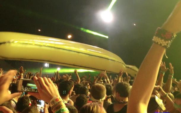 Dada-Banana-Boat-1024x640